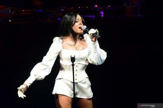 """Penggemar khawatirkan kesehatan mental """"rapper"""" Azealia Banks"""