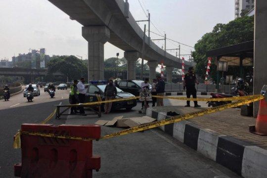Seorang kakek meninggal dunia di pinggir Jalan Kartini Cilandak