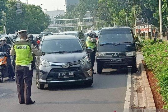 Polres Jakpus tilang 75 pelanggar ganjil-genap di pagi hari