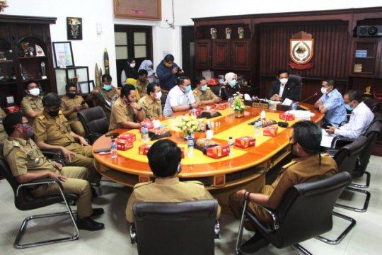 PT GMTD serahkan sertifikat fasos dan fasum ke Pemkot Makassar