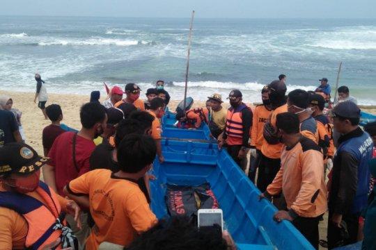 Korban tenggelam di pantai Bantul ditemukan di pantai Gunung Kidul