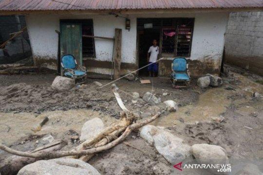 Banjir di Bolapapu karena intensitas hujan tinggi