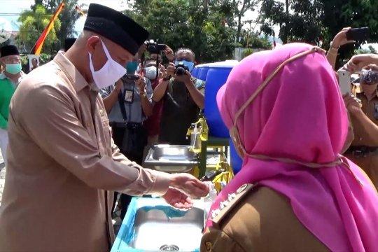 Ratusan Masjid di Padang terima bantuan alat pencuci tangan