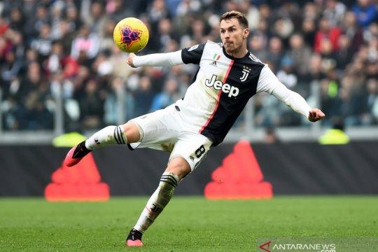 Tidak diinginkan Pirlo, Juventus persilakan Ramsey cari klub baru