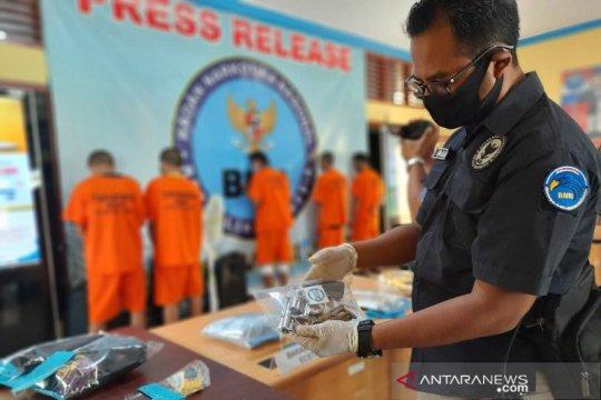 BNN tangkap kurir narkoba miliki senjata api rakitan di Jambi