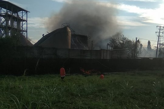 Tim Labfor Polda Jatim selidiki penyebab kebakaran pabrik bioetanol