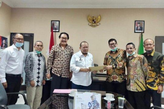 Ketua DPD RI siap laporkan masalah kepelabuhanan Tanjung Perak