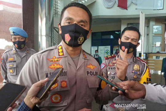 Polresta Cirebon duga Elf yang kecelakaan di Cipali  travel bodong