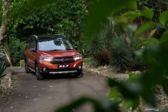 Tipe dan warna favorit konsumen untuk Suzuki XL7