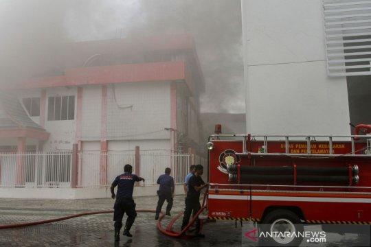Gedung di area Plasa Telkom Pekanbaru terbakar, jaringan Telkomsel terganggu
