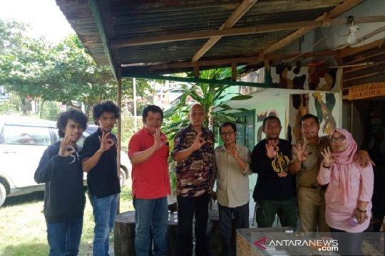 FKPPI Kendari-komunitas penyelam kibarkan Merah Putih di bawah laut