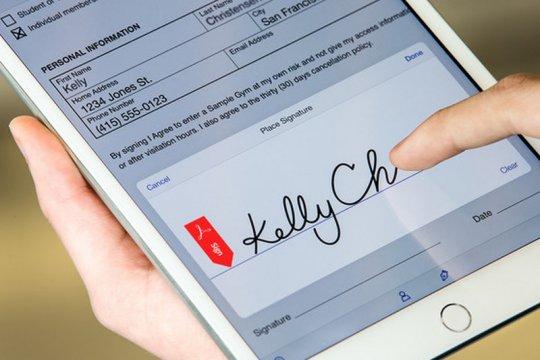 Tanda tangan elektronik solusi transaksi digital era normal baru