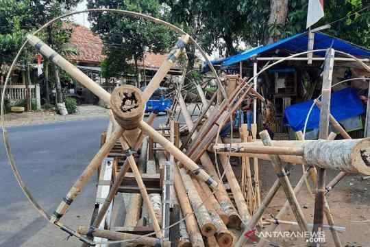 Harapan penjual pohon pinang Manggarai menjelang HUT RI