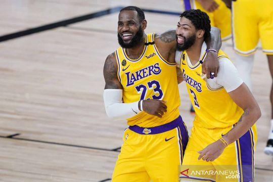 """NBA: Lakers menang tipis 124-121 atas Nuggets, LeBron """"King"""" James cetak 29 angka"""