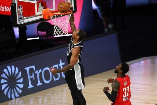 Spurs jaga asa playoff usai kalahkan Rockets 123-105