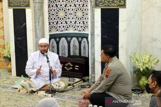 Habib Syech: Islam itu sejuk, bukan membuat keributan
