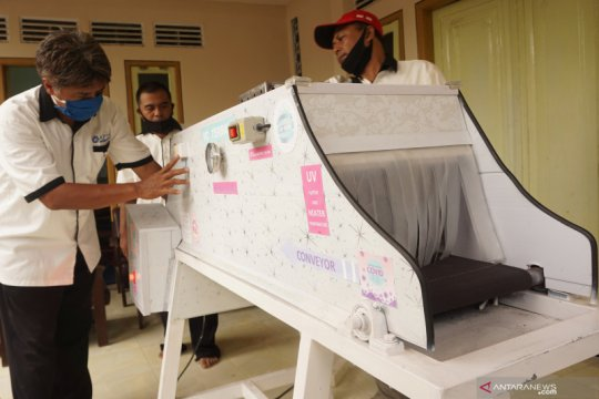 Pemuda Tulungagung kembangkan teknologi conveyor berpemanas anticovid