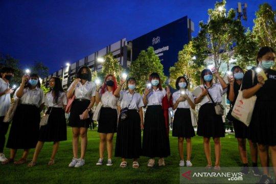 Polisi Thailand tuntut siswa SMA karena aksi protes