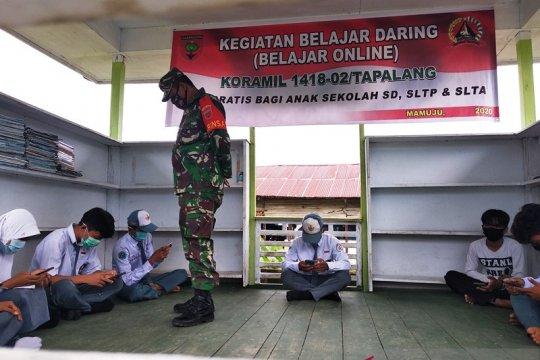TNI beri akses internet gratis bagi siswa di pelosok Mamuju