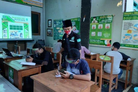 LPBI NU Bangil Pasuruan bantu belajar daring anak warga kurang mampu