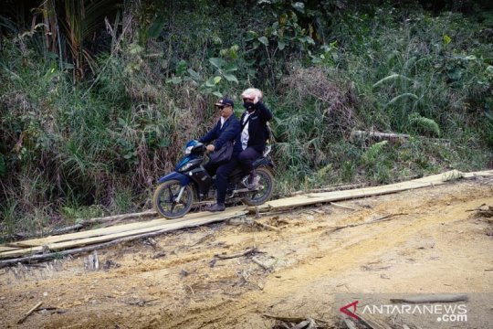 Disdikbud Bengkayang tinjau pembelajaran di perbatasan RI-Malaysia