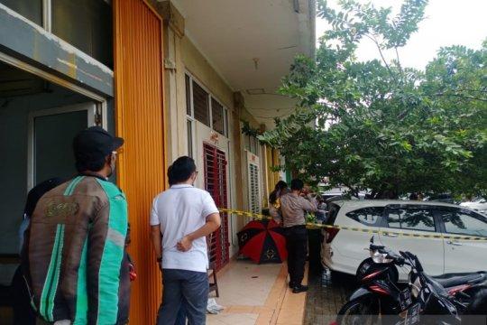 Pria tewas di Ruko Royal Gading Square ditembak empat kali