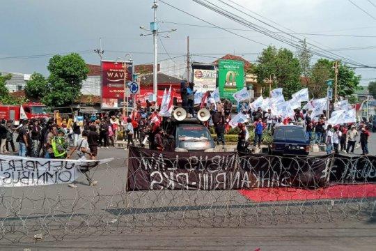 Aliansi Jember Menggugat demo tolak RUU Omnibus Law