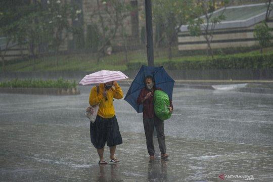 Tiga wilayah Jakarta diperkirakan hujan siang ini