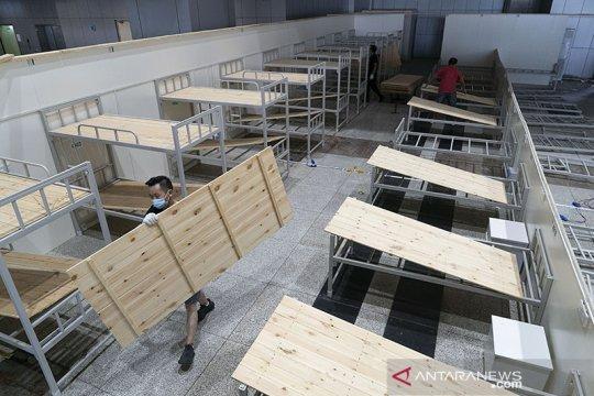 Pembongkaran rumah sakit darurat khusus COVID-19 di Wuhan