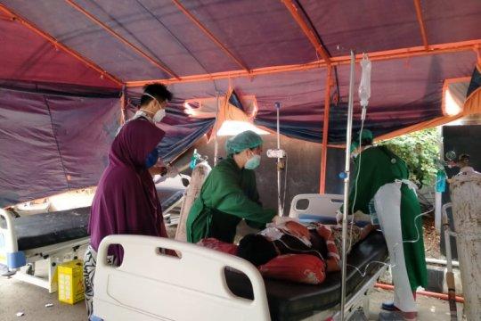 Keracunan, 122 santri di Bengkulu dilarikan ke rumah sakit