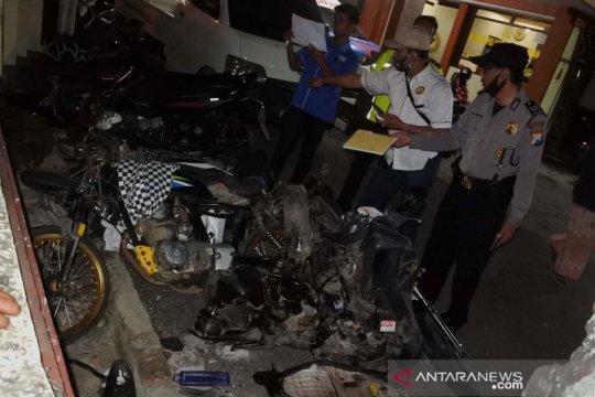 Lima orang meninggal dunia pada kecelakaan beruntun di Jember