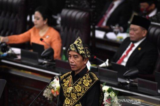 """Presiden Jokowi minta media tidak hanya cari """"click"""" dan """"like"""""""