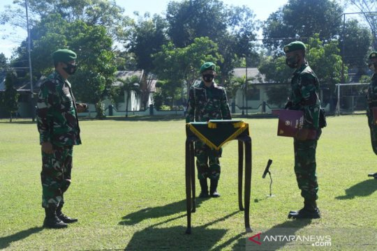 Pulang dari perbatasan RI-PNG, Satgas Pamtas Yonif/713 disambut Danrem