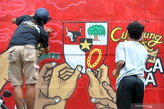 Lomba mural HUT RI