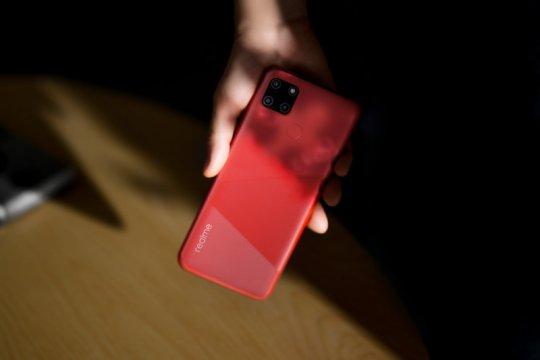 realme: permintaan ponsel baterai besar naik sejak PJJ