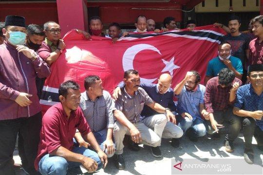 Partai Aceh kibarkan Bulan Bintang peringati 15 tahun perdamaian