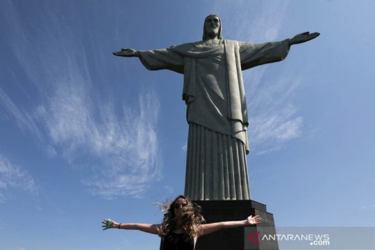 Setelah berbulan-bulan, ada tanda-tanda COVID-19 mereda di Brazil