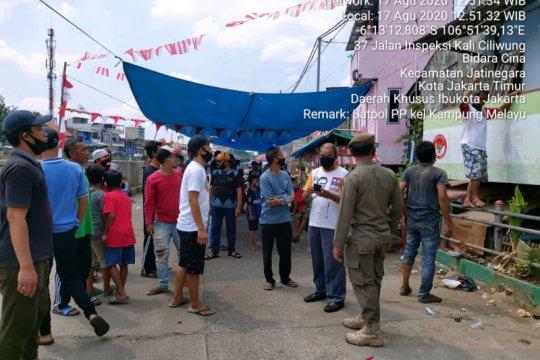 Satpol PP bubarkan lomba 17 Agustus di dua lokasi Jaktim