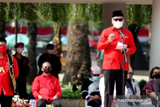 PDIP Peringati HUT Kemerdekaan RI dengan gunakan pakaian adat
