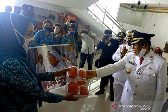 3.000 masker dibagikan kepada warga Kei Kecil-Maluku