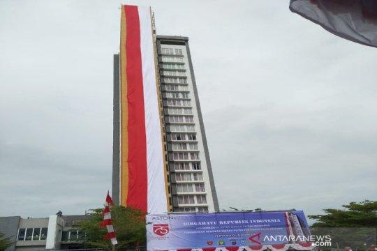 Bendera Merah Putih terpanjang di Kalimantan berkibar di Banjar