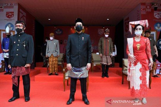 Di perayaan HUT RI ke-75, Mendikbud gunakan songket Palembang