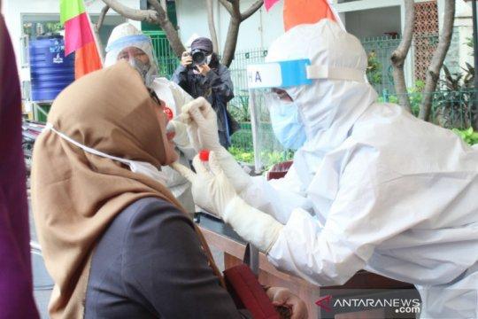 Kecamatan Sawah Besar lakukan tes usap massal cegah COVID-19