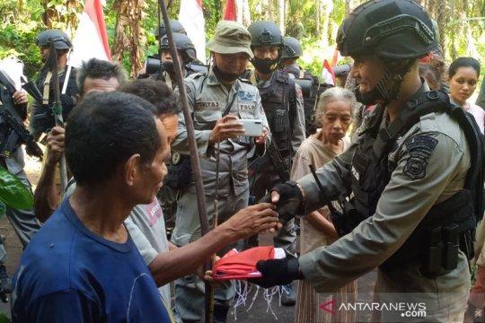Masyarakat Suku Tobelo peroleh bansos dari Polda Maluku Utara