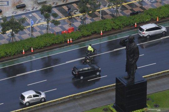 Hujan turun di Jakarta Selasa siang