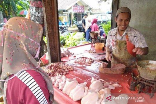 BPS: Harga daging ayam dan telur turun picu deflasi September