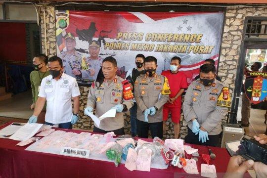 Polisi ciduk napi produsen narkoba di RS swasta Salemba