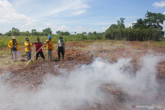 Pelatihan penanganan kebakaran hutan dan lahan