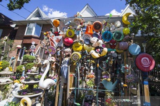 Melihat Rumah Boneka di Toronto