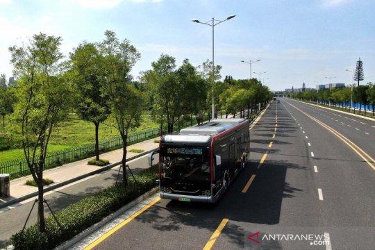 China uji coba bus autopilot